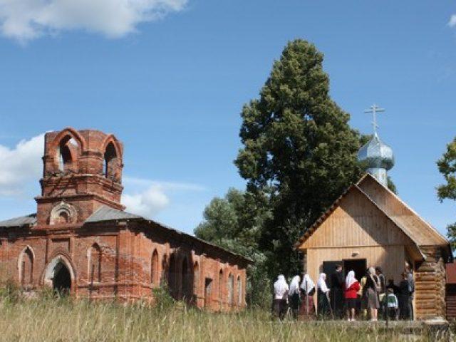 Освящение храма в селе Глазово