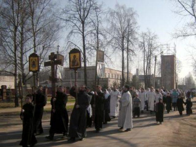 В Ржеве прошел крестный ход на местное старообрядческое кладбище