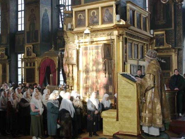 Архиерейское богослужение на праздник Сретения Господня