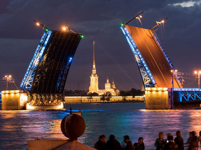 Празднование Недели всех святых в Санкт-Петербурге