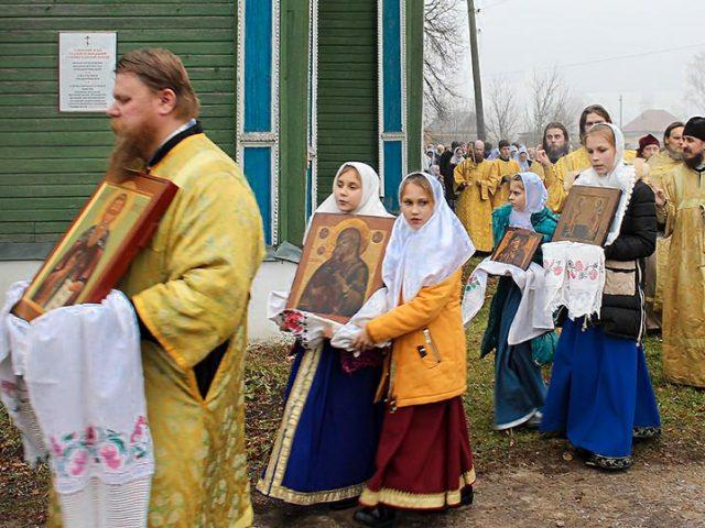 Митрополит Корнилий посетил приходы Нижегородской епархии