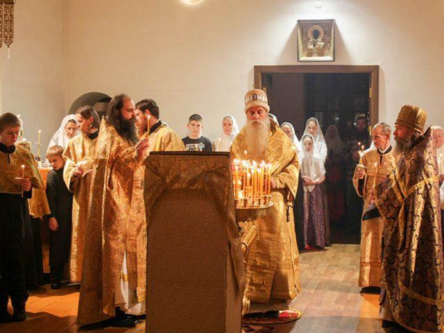 На праздник явления иконы Богородицы «Всем скорбящим Радость» митрополит Корнилий посетил Рязань
