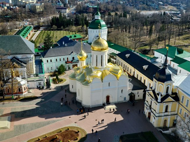 К преподобному Сергию Радонежскому. Паломническая поездка участников праздника свв. жен-мироносиц
