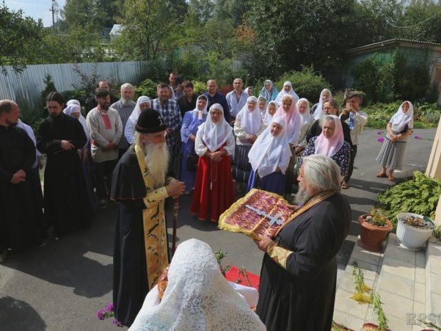 Настоятель новозыбковского храма награжден наперсным крестом