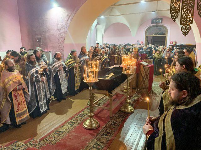 Во Владимире простились с протоиерем Иоанном Думновым