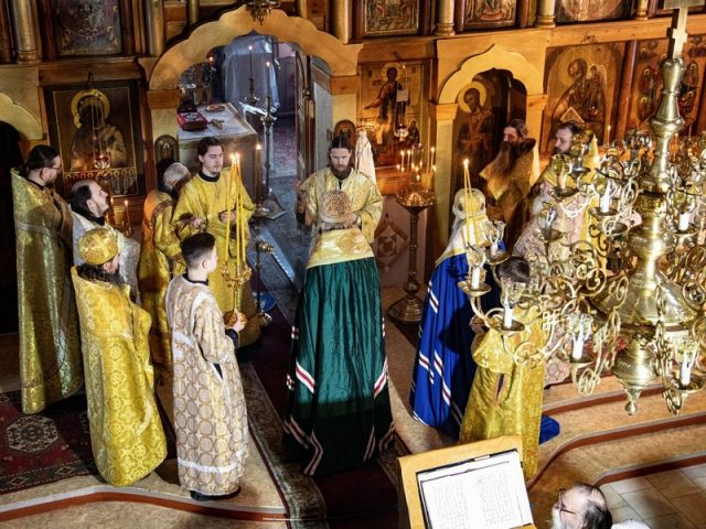 Настоятель ижевского храма отметил 30 лет служения в священническом сане