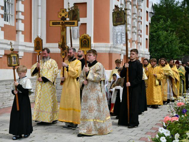 Праздник всех святых в Cеверной столице