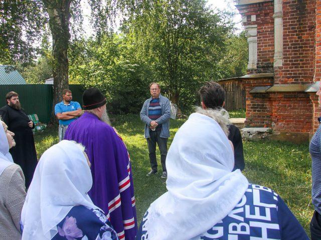 Жители села увековечили память о создателе храма