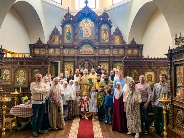 Митрополит Корнилий посетил приходы Крыма