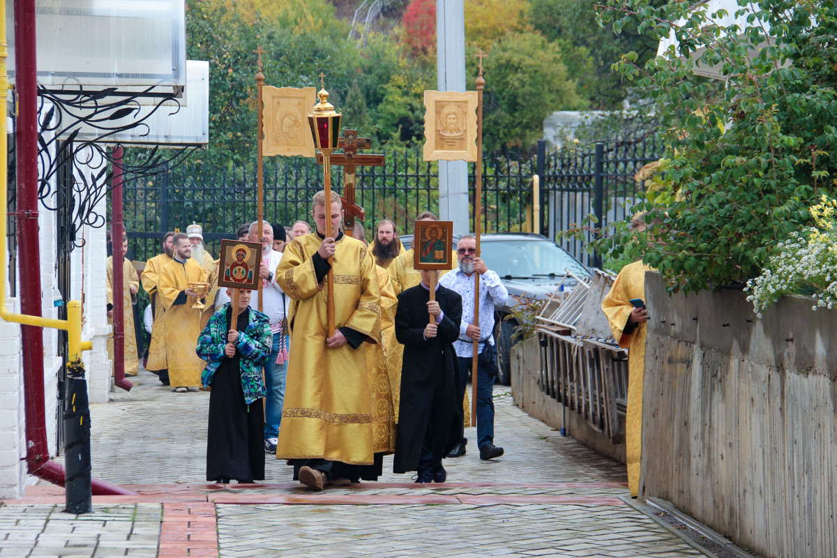 10 лет обретения мощей святителя Арсения Уральского