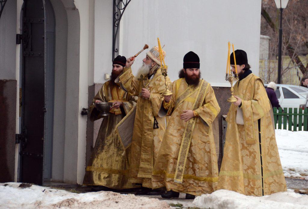 Связана ли церковь с государством