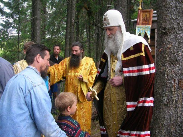 Началась архипастырская поездка по Уральской епархии