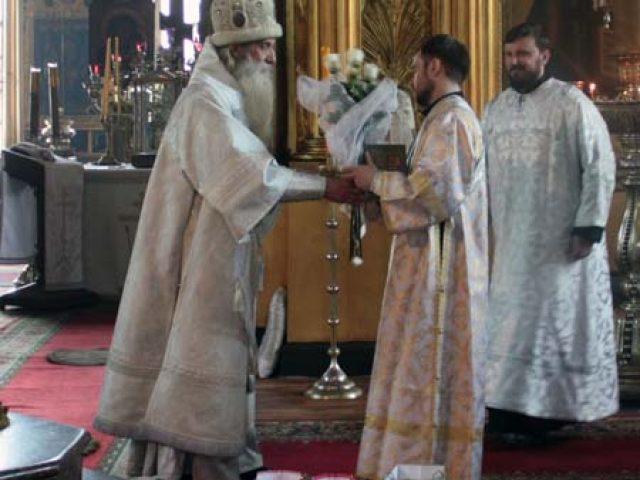 Архиерейское богослужение в неделю шестую по Пасхе