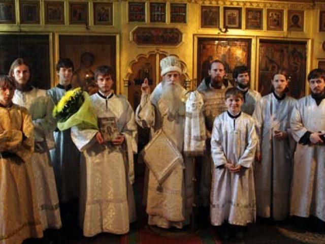 Митрополит Корнилий рукоположил во диаконы чтеца Феодора Думнова