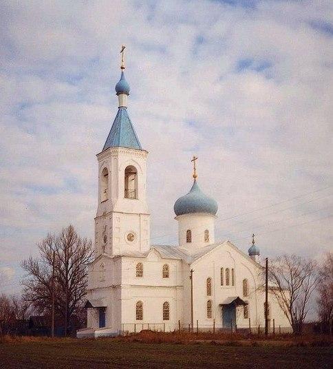 Храм в Устьяново