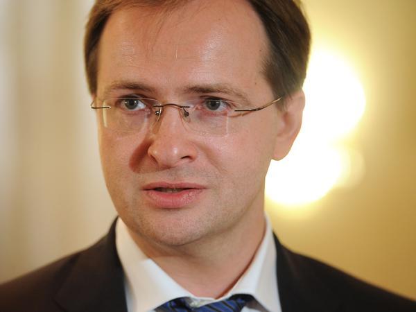 В адрес митрополита Корнилия поступило поздравление от министра культуры РФ Владимира Ростиславовича Мединского.