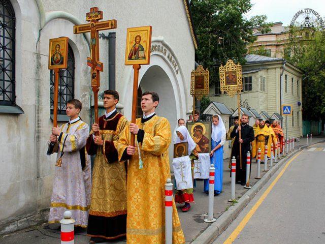 Престольный праздник в московском храме Владимирския иконы Пресвятыя Богородицы
