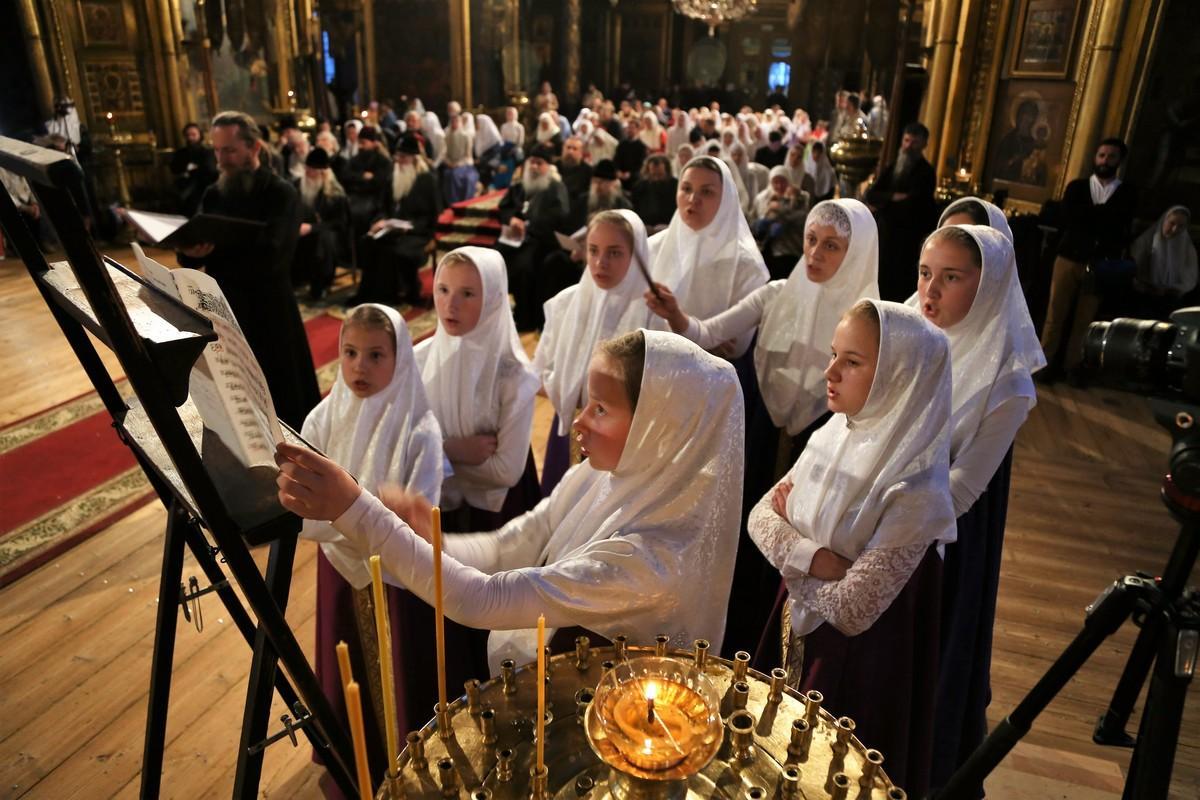 Вечер духовных песнопений. Хор Успенского храма с. Петраши (Украина)