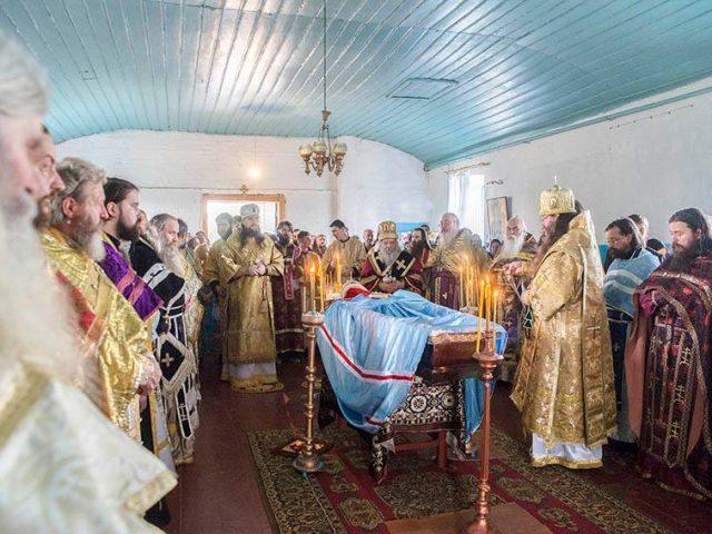 В последний путь: на погребение владыки Саватия прибыло духовенство из России, Украины, Молдавии и Румынии