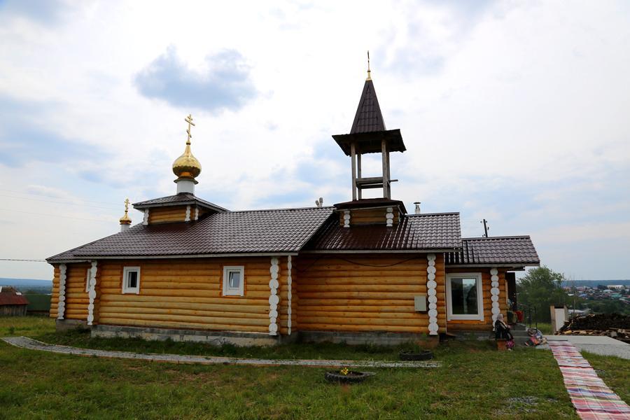 Строящийся храм в Староуткинске