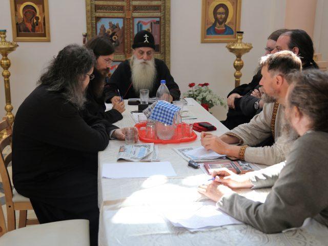 В самарском храме в Ильин день поставлены чтец и свещеносцы — торжество возглавил митрополит Корнилий