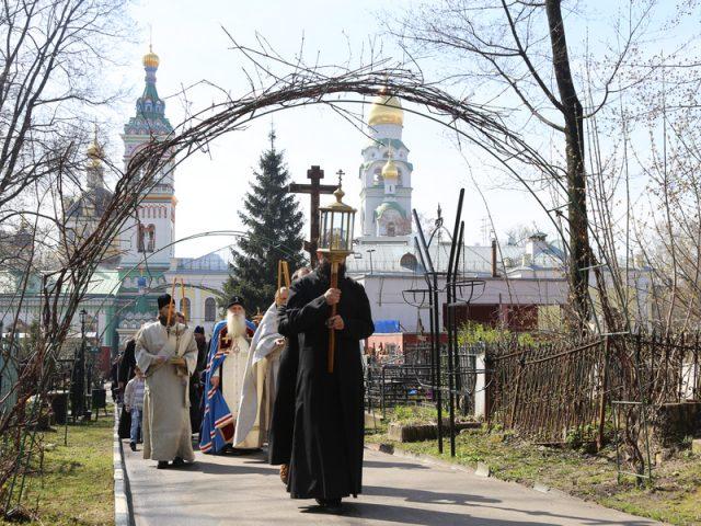 На Рогожском кладбище воздвигли поклонный крест московским старообрядцам