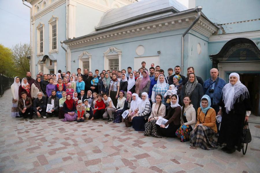 Паломническая поездка в Калугу, общее фото у храма