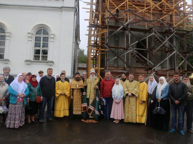 На колокольню храма в Егорьевске подняты колокола