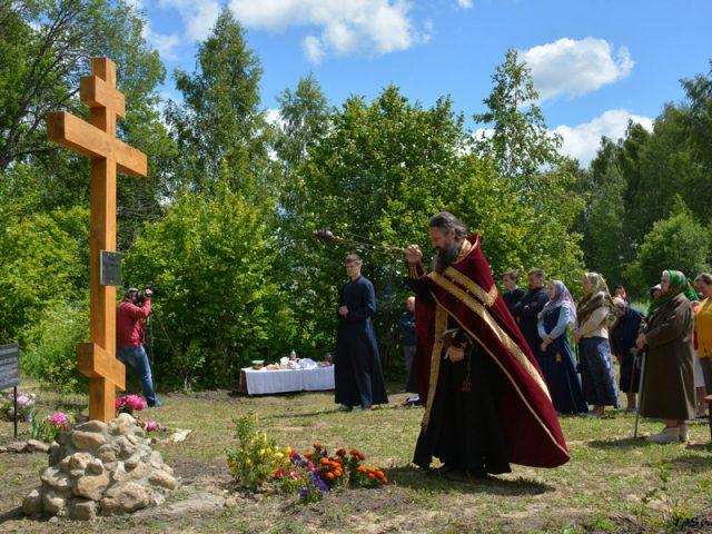 Панихида по репрессированным христианам-старообрядцам в г. Сухиничи