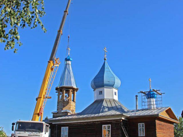 На колокольню бийского храма установлен купол