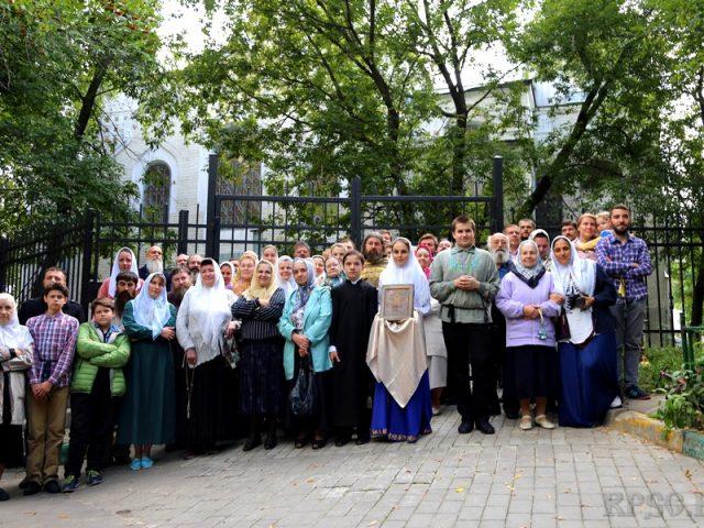 Молебен у Покрово-Успенской церкви в Малом Гавриковом переулке