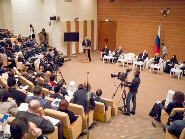 О мире, нравственности и свободе совести говорили на круглом столе в Государственной Думе