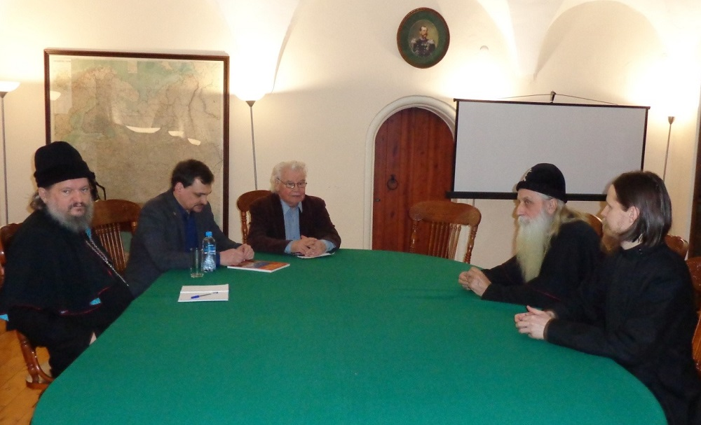 Митрополит Корнилий встретился с автором книг о церковном расколе В.А. Бахревским
