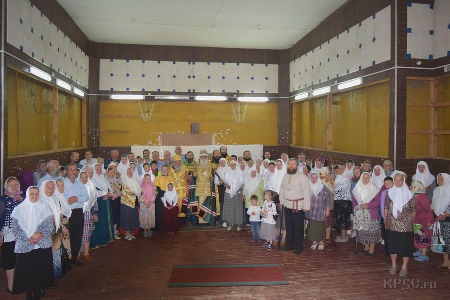Первый молебен в возвращенном храме в Абрамовке