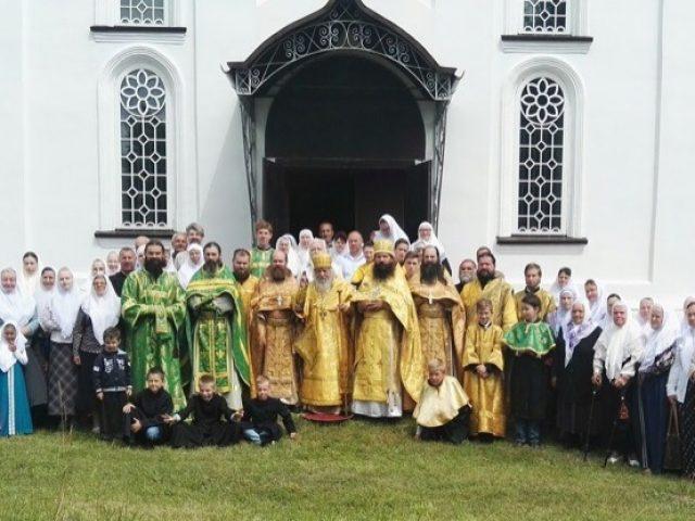 Явление иконы Богородицы Тихвинской отпраздновали в Устьянове