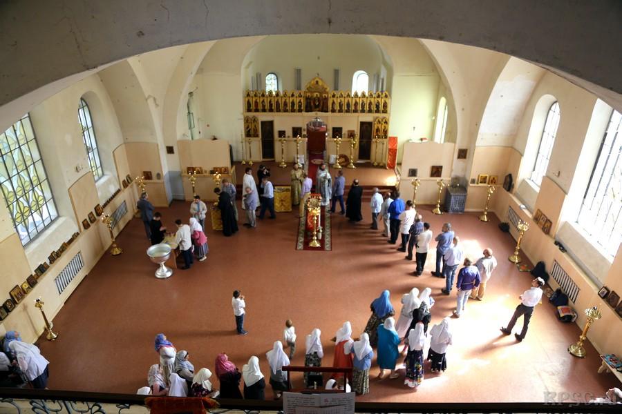 Первый престольный праздник в возвращенном храме