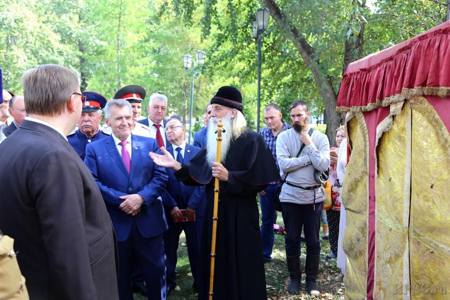 В память о герое Отечественной войны 1812 года М.И. Платове