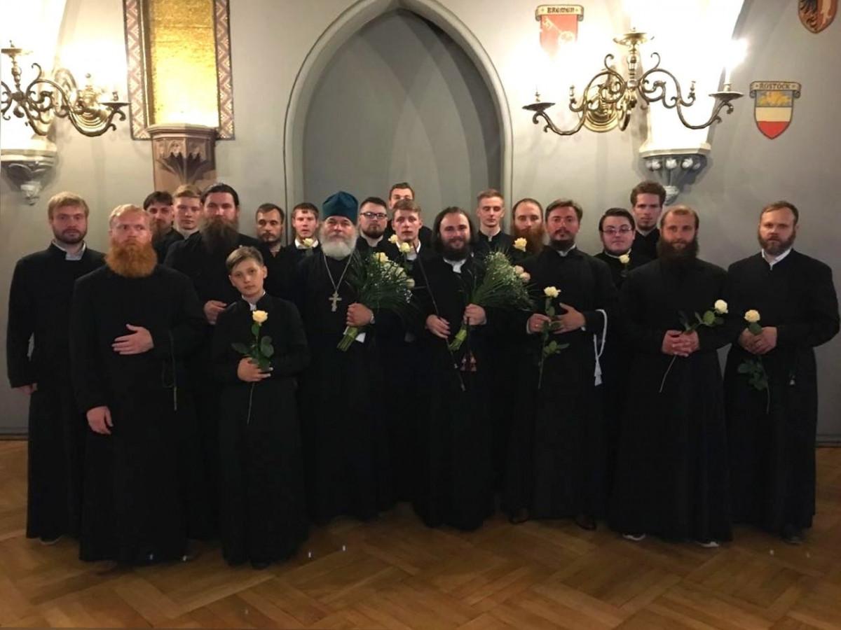 Московский старообрядческий хор Покровского кафедрального собора выступил в Риге