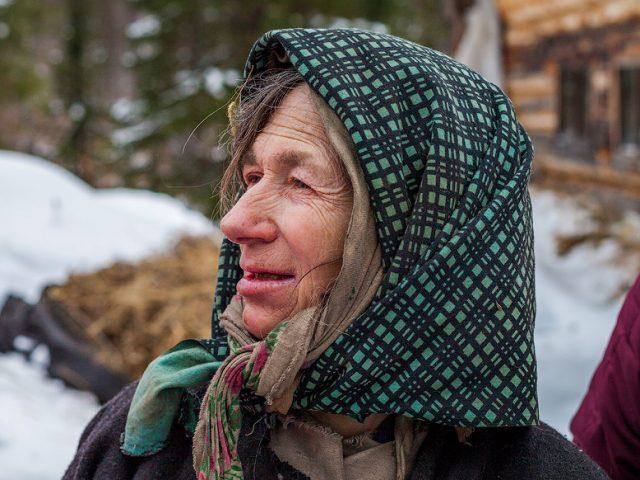 Агафья Лыкова получила помощь от администрации Кемеровской области
