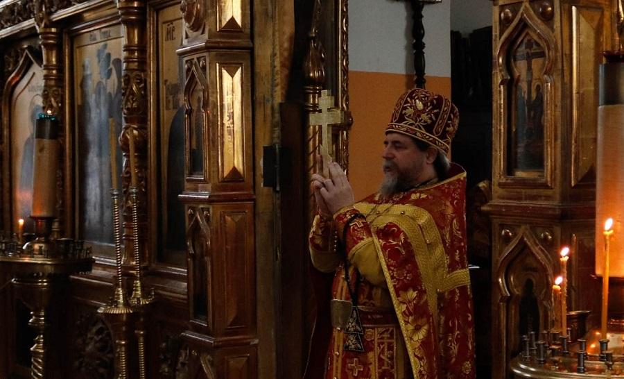 Настоятель Покровского храма во Ржеве протоиерей Евгений Чунин