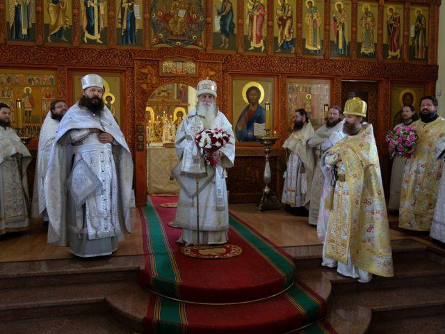 Праздник возрожденной святыни