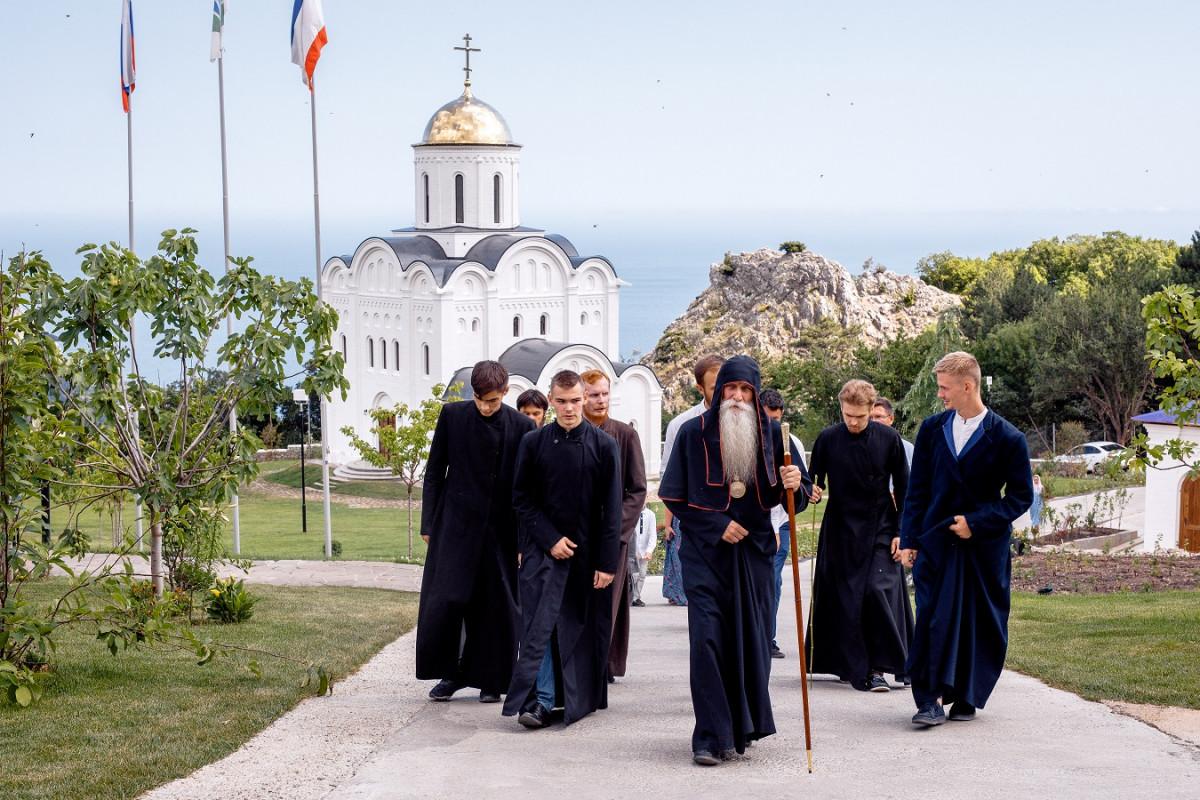 Храм в Крыму готовится встретить свой первый престольный праздник