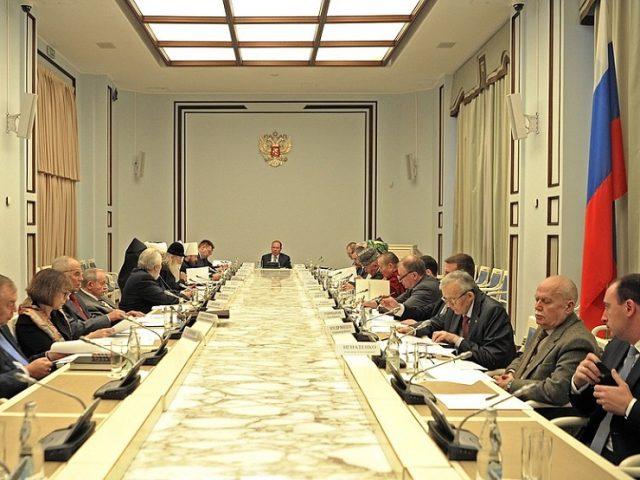 О молодежи и защите прав верующих за рубежом говорили на Совете при Президенте РФ
