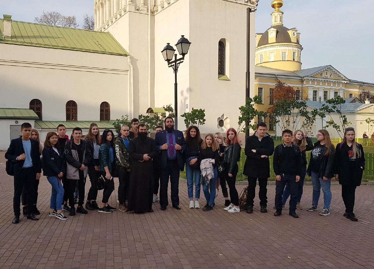 С экскурсией по Рогожскому