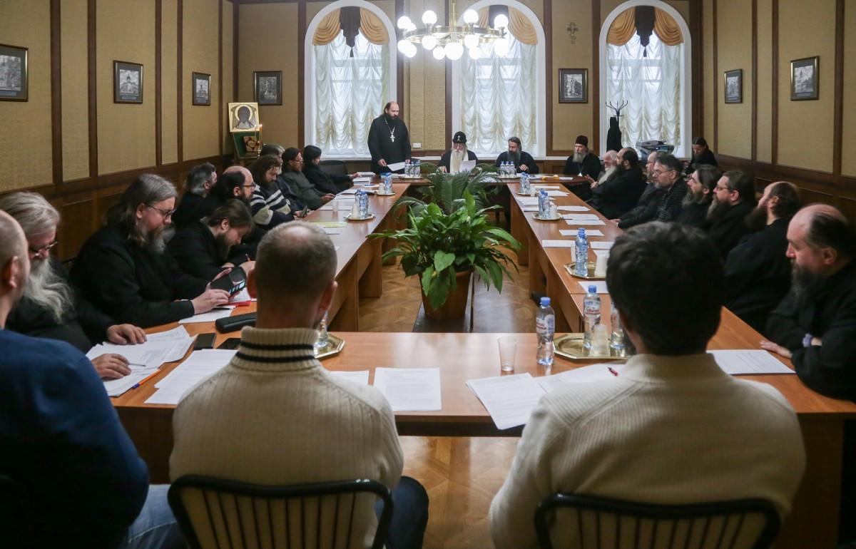 На Рогожском проходит собрание Московской епархии