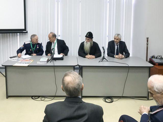 Митрополит Корнилий посетил семинар казаков