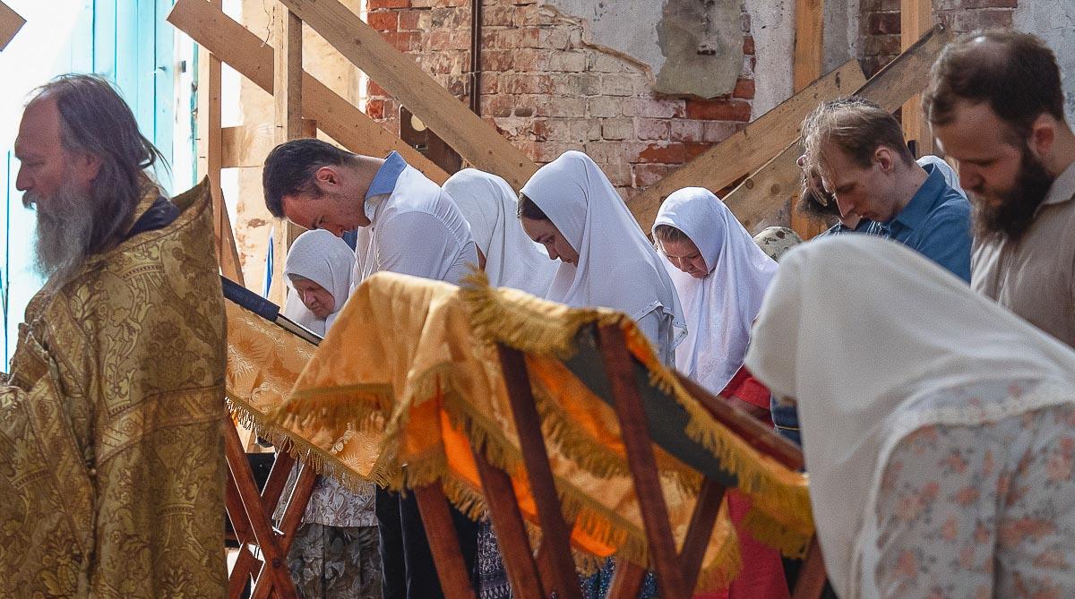 Молебен перед реставрацией