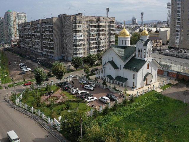 В Красноярске освящен храм во имя сретения чудотворной иконы Богородицы Владимирской