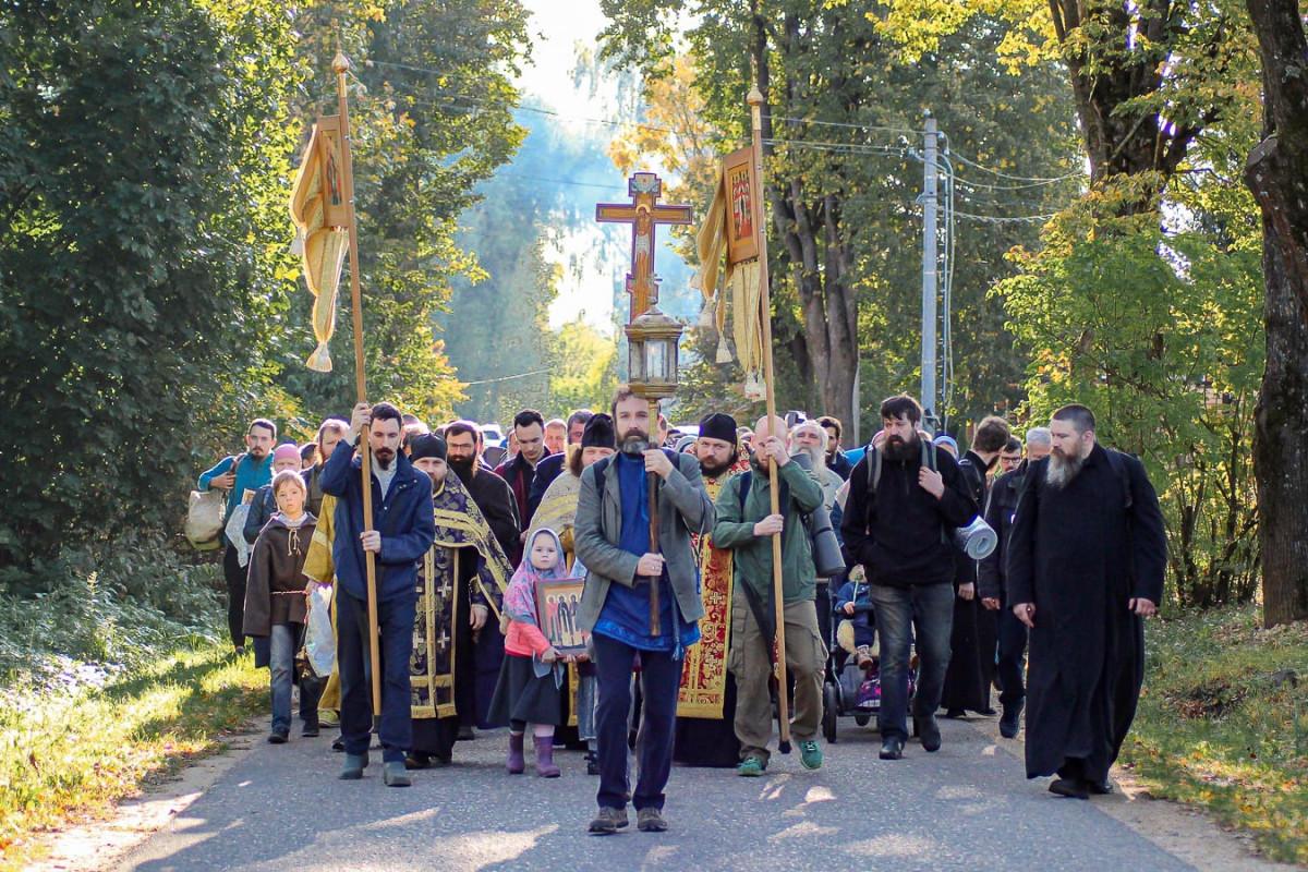 Народный в духе и деле. Из Вереи в Боровск прошел традиционный крестный ход