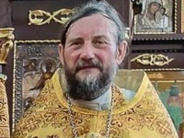 Упокоился протоиерей Алексей Комендантов